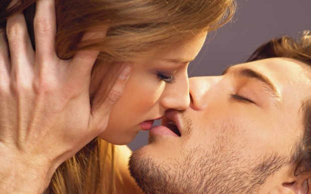 kissing-Picture4